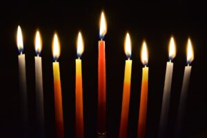 oświetlenie przy pomocy świec